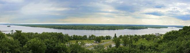 панорама Канева та річки Дніпро
